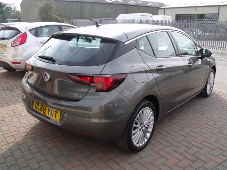 DL68 YOT - Vauxhall Astra Elite 1.0 Turbo Ecoflex 5 Door Hatchback Satnav 999cc