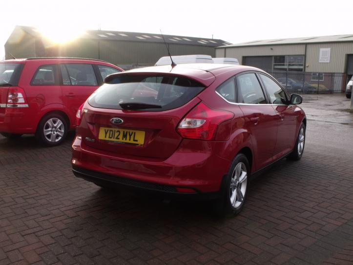 YD12 MYL - Ford Focus 1.6 Zetec 125bhp 5 door hatchback 1600cc