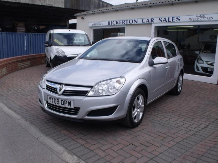 YT09 OPW - Vauxhall Astra Active 1400